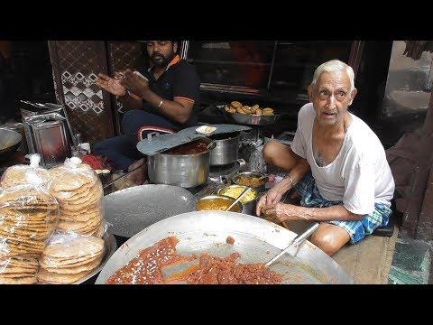 Old & Famous Chacha ( Uncle ) – Best Kachori Halwa – Amritsar Street Food