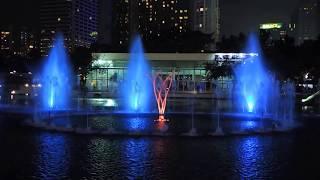 KLCC Petronas Musical Water Fountain, Suria KLCC, Malaysia (My Heart Will Go On)