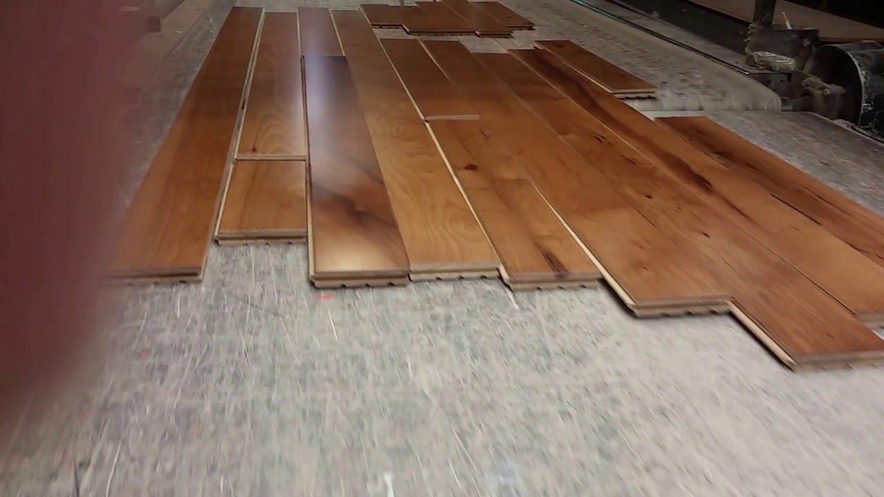 4 Hickory W Saddle Stain Hardwood Flooring Solid Prefinished