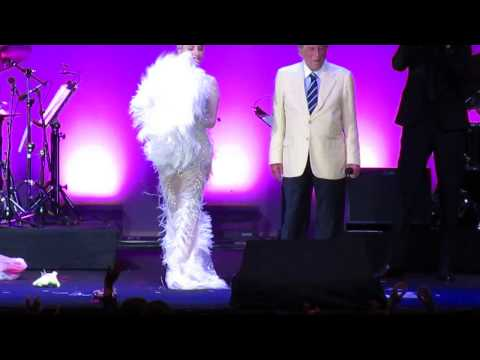 Tony Bennett & Lady Gaga - It Don't Mean A Thing If It Ain't Got That Swing  - Umbria Jazz 2015