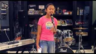 Video Gajah - Tulus (Cover by : Valerie Adelia, 13 years Old) download MP3, 3GP, MP4, WEBM, AVI, FLV Juli 2018
