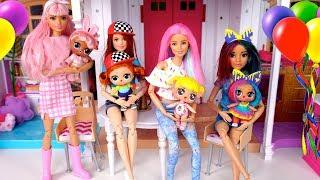 Pijamada con Bebes LOL Surprise y Mamas  - Bebe Goldie Esta Triste! Jugando con Muñecas