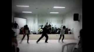 AMA Dance no culto dos jovens dia 26/10/2013 = Forsaken - Group 1 Crew