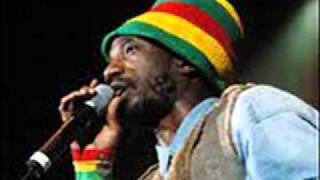 SIZZLA KULUNGI, LOVE IS DIVINE