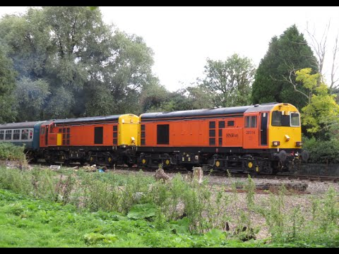 uk:-mid-norfolk-railway-autumn-diesel-gala---september-2015