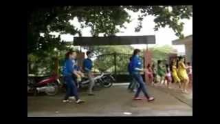 Đội tình nguyện 1 nhảy bài Chào ngày mới ở Cát Bà-Duy Tùng.3gp