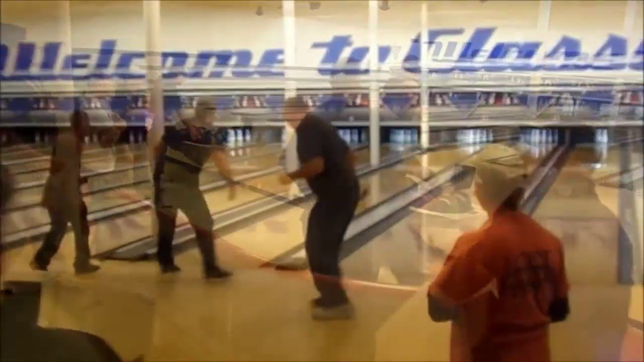 Bowling at Classic Lanes Erie , Pa - YouTube