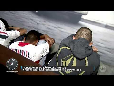 Torcedores são detidos após tentar invadir área dos rivais   Primeiro Impacto (04/12/17)