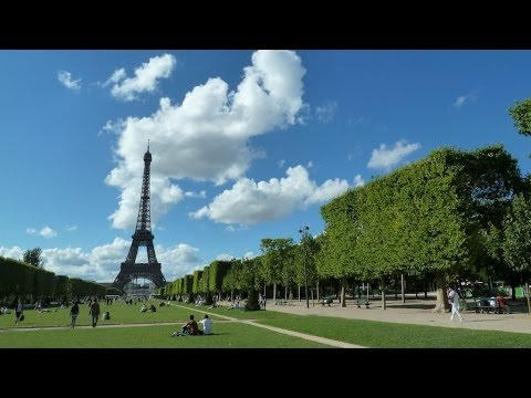 Eiffel Tower and Champs Elysees - walk through Paris - ReiseWorld travel channel