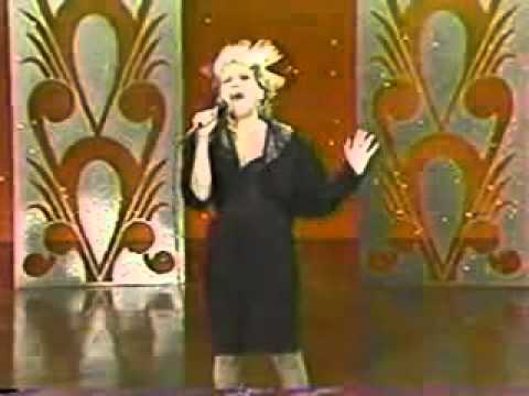 Beast Of Burden - Johnny Carson Show - Bette Midler - 1982