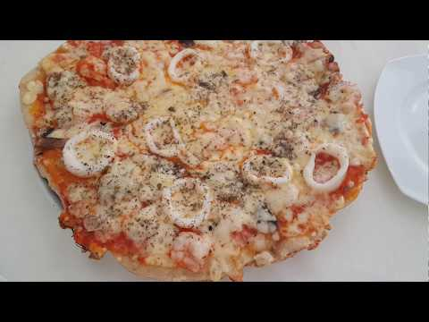 recette-facile-de-pizza-aux-fruits-de-mer-بيتزا-سريعة-التحضير