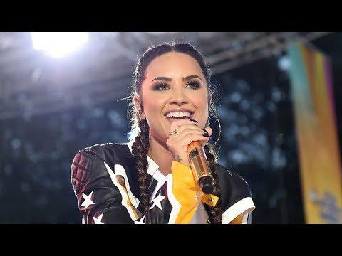 Demi Lovato Performs In The POURING Rain...