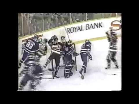 1991-92: Blackhawks/Maple Leafs - Jeremy Roenick Spin-a-rama Goal