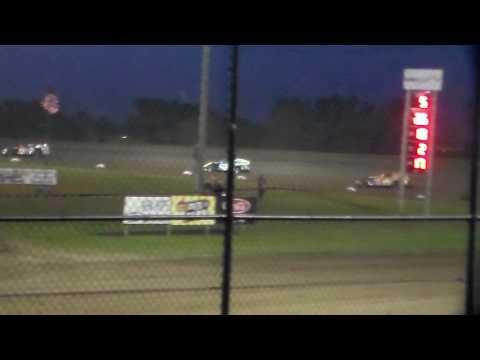 Modified Heat 4 @ Marshalltown Speedway 05/05/17