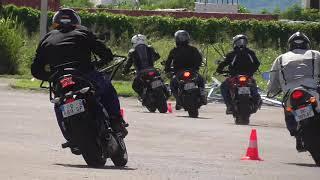 Stage Maniabilité Moniteurs Moto / Frein dégressif pour tourner / Martinique 19/11/2019
