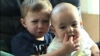 Baby Life |  Charlie bit my finger - again !
