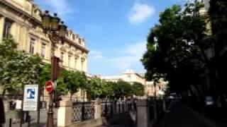 Entre Le palais de justice de Paris et La Cite