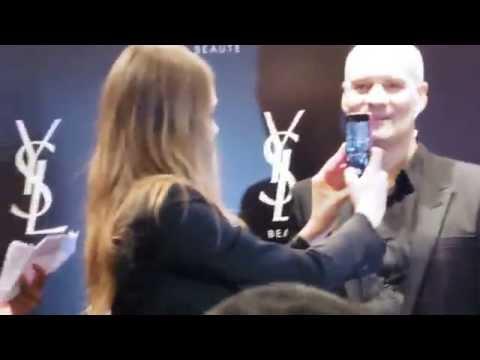 Cara Delavigne, rencontre avec ses fan, sur Paris.
