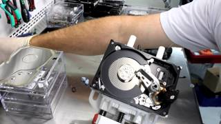 Замена Головок (БМГ) в Жёстком диске Seagate Barracuda 7200.12(В этом видео мы показываем, как происходит замена БМГ на примере диска распространенной серии Seagate Barracuda..., 2016-02-05T18:42:22.000Z)