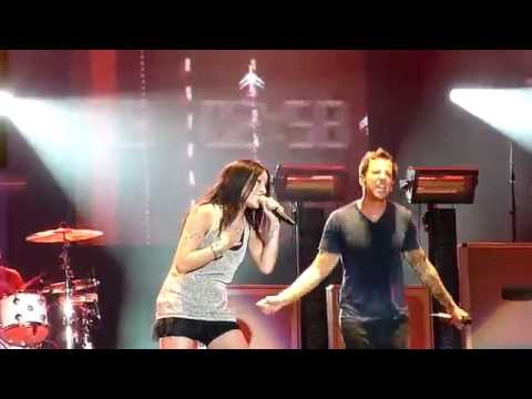 Simple Plan - Jet Lag ft. Marie-Mai (LIVE FEQ Quebec 2011) HD