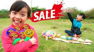 Kids Go to School pretend play Selling Hubba Bubba Candy! MCDONALDS Toy for Kids