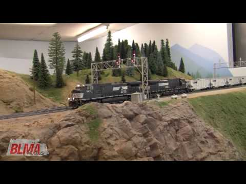 Awesome HO Scale NS TopGon Model Train Action in HD – OCT 2009