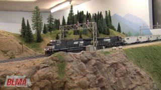 Awesome HO Scale NS TopGon Model Train Action in HD - OCT 2009