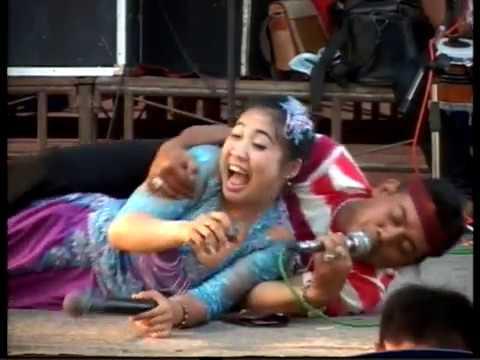 mc mendem ngeloni artis di panggung