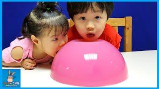10KG 초대형 거대 푸딩 젤리 만들기 도전! 그속에 서프라이즈 캡슐 가챠뽑기 장난감 등장? DIY Giant Jello Jelly | 말이야와친구들 MariAndFriends