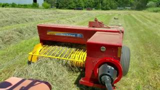 Baling Thick Grass New Hollond 5070