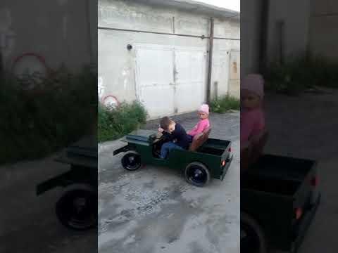 видео: детский электромобиль на шуруповертах