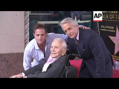 Kirk Douglas celebrates 103rd birthday, gets sweet tributes from ...