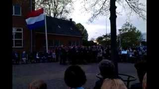 Hervormd kerkkoor Ochten tijdens Dodenherdenking 2013