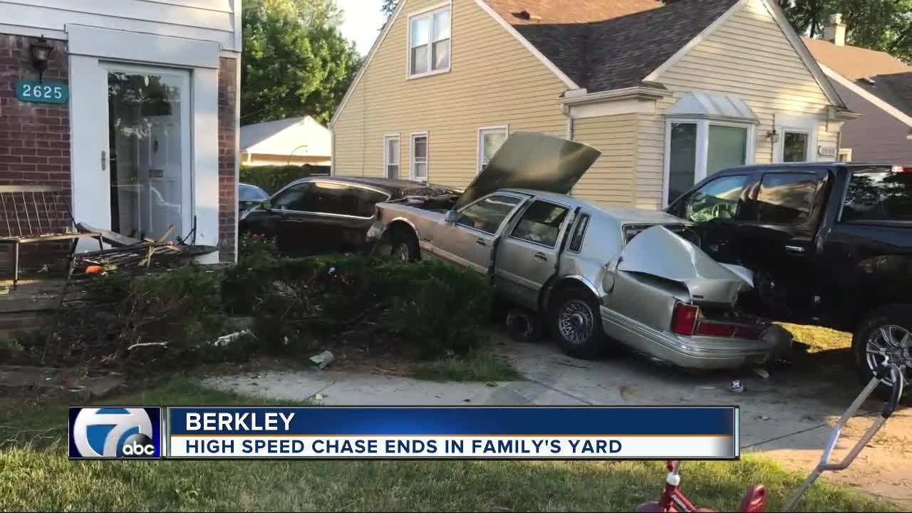 High speed chase ends in Berkley family's yard - YouTube