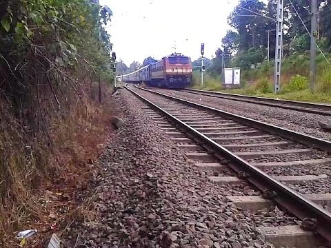 Hyderabad - Trivandrum Sabari Express enters Tiruvalla