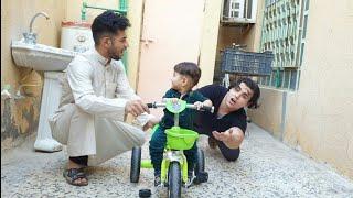 مصيبه اخوي الصغير #ابوي اشتره باسكل صغير الاخوي ويريدني اعلمه السياقه 😂