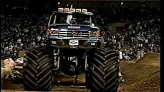 80's Monsters and Mud Boggers - Bigfoot Record Setting Jump (56 feet)