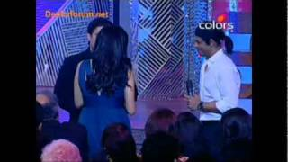 Sridevi tells about Shah Rukh Khan at an Awards event.mp4