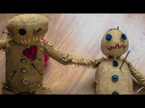 How to make a (Possessed Voodoo Doll) HALLOWEEN TUTORIAL