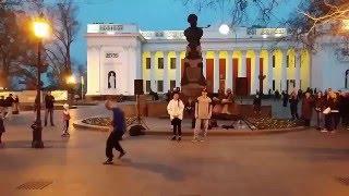 Одесса Танцы на Приморском бульваре 09 04 2016 \ Odessa online Primorskiy boulevard