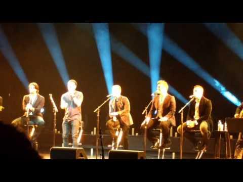 backstreet-boys---lay-down-beside-me-(2016-cruise-concert-group-b)