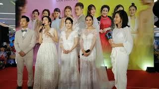 Ai là người thứ ba: Nam Thư, Tú Vi, Lệ Quyên mặc áo cưới xuất hiện tại họp báo ra mắt phim gây tò mò
