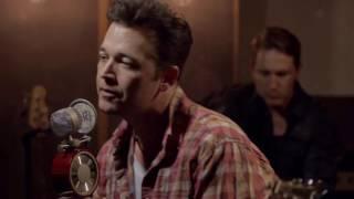 Lucas Hoge (Christmas Medley - LIVE)