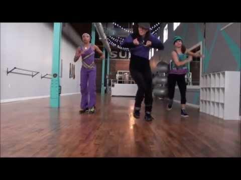Boquita Colorada Lisandro Meza cumbia dance fitness routine by Jilly B.