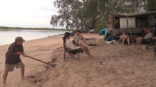 WATCH YOUR BACK PRANK - AUSTRALIA - GALL BOYS
