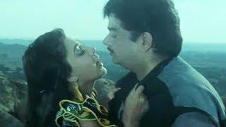 Kimi Katkar, Shatrughan Sinha, Hum Se Na Takrana Scene 6/14