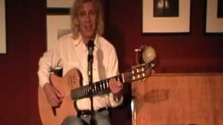 HOHE TANNEN WEISEN DIE STERNE: INTERNATIONALIST SINGT HEIMATLIEDER