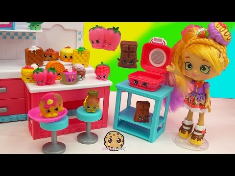 Chef Club Season 6 Hot Waffle Collection with Exclusive Big Shopkins - Toy Video