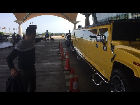 1 of the Longest Hummer in the world in Malaysia, reviewed by Omar Stirling | EvoMalaysia.com