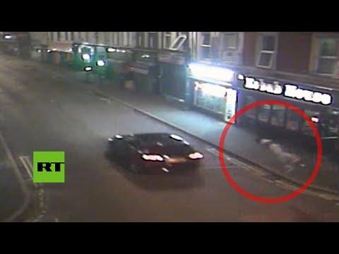 RT en Español: Un hombre vuela por los aires tras ser atropellado